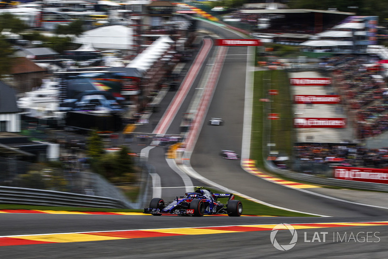10: П'єр Гаслі, Scuderia Toro Rosso STR13, 1'43.844