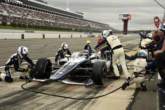 Max Chilton, Carlin Chevrolet pit stop