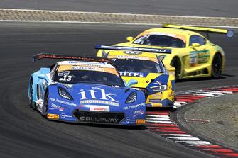 #13 RWT Racing Corvette C7 GT3-R: Sven Barth, Claudia Hürtgen
