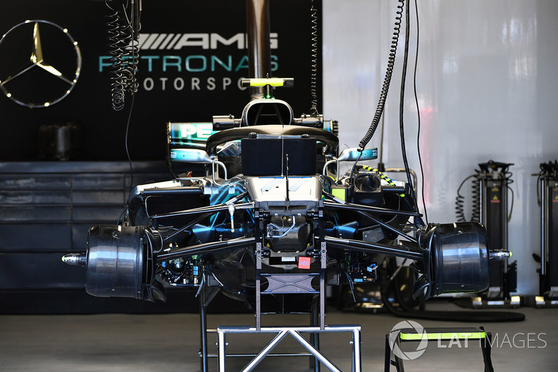 Mercedes-AMG F1 W09 EQ Power+ en el garaje