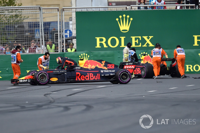 Pascakecelakaan Max Verstappen, Red Bull Racing RB14 dan Daniel Ricciardo, Red Bull Racing RB14