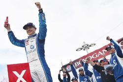 Race winner Kyle Larson, Chip Ganassi Racing, Chevrolet