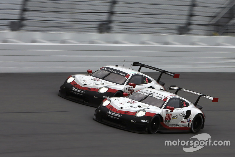 #911 Porsche Team North America Porsche 911 RSR: Патрік Пілет, Нік Тенді, Фредерік Маковєцкі, #912 P