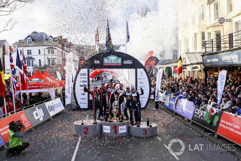 Podio: Elfyn Evans, Daniel Barritt, Ford Fiesta WRC, M-Sport, Thierry Neuville, Nicolas Gilsoul, Hyundai i20 WRC, Hyundai Motorsport, Sébastien Ogier, Julien Ingrassia, Ford Fiesta WRC, M-Sport