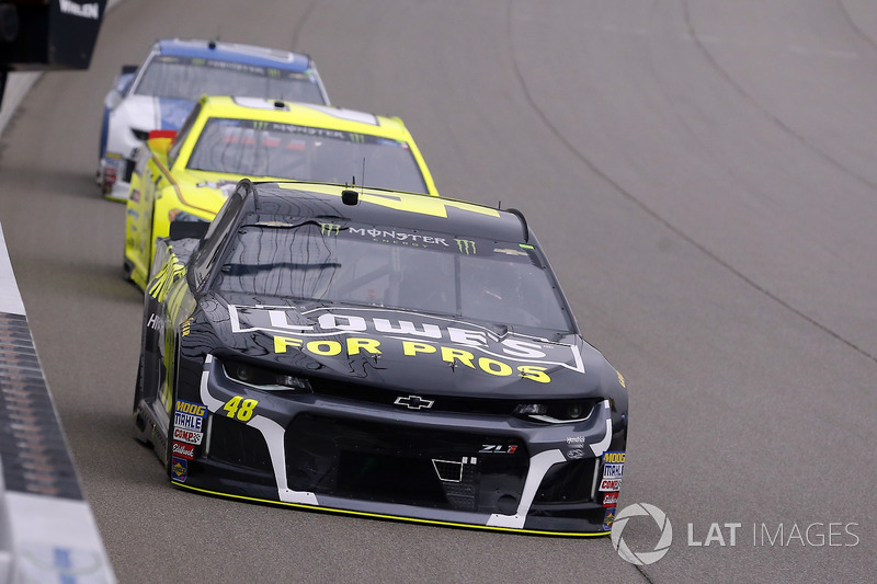 Jimmie Johnson, Hendrick Motorsports, Chevrolet Camaro Lowe's for Pros and Paul Menard, Wood Brothers Racing, Ford Fusion Menards / Jack Links