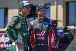 Kurt Busch, Stewart-Haas Racing, Ford Fusion Haas Automation, Clint Bowyer, Stewart-Haas Racing, Chevrolet Camaro One Cure