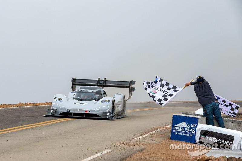Checkered flag for #94 Romain Dumas, Volkswagen I.D. R Pikes Peak