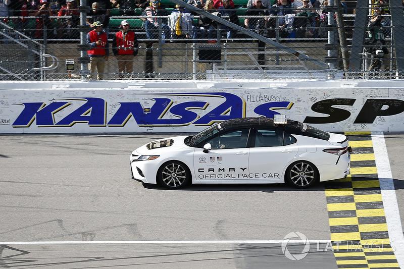 Toyota Camry Pace Car at Kansas II NASCAR Cup Fotos
