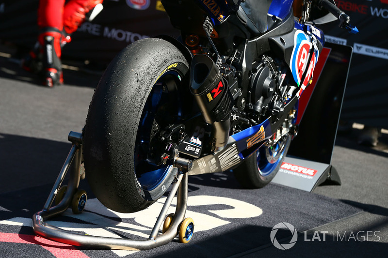 Alex Lowes, Pata Yamaha bike detail