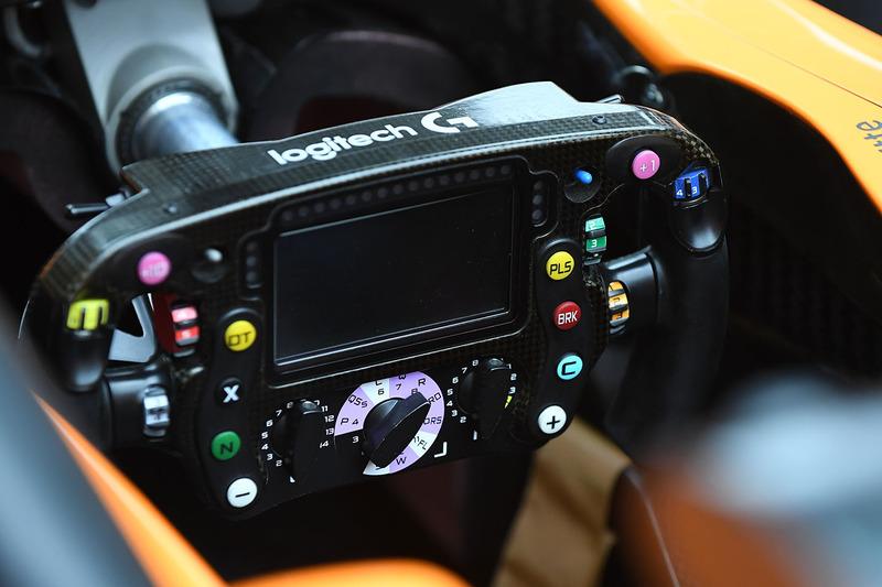 Setir McLaren MCL33