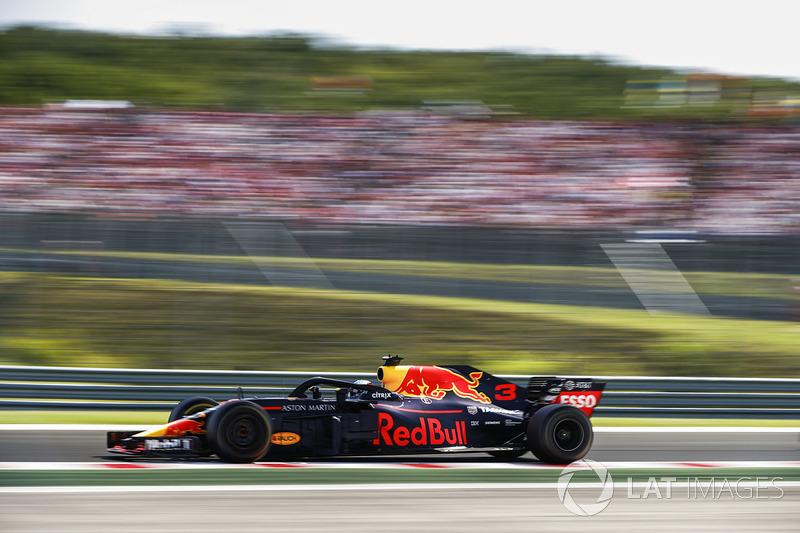 На Гран При Венгрии Даниэль Риккардо установил лучший круг в гонке – 1:20.012. Рекорд круга в гонке все еще принадлежит Шумахеру – он показал время 1:19.071 в 2004 году на Ferrari