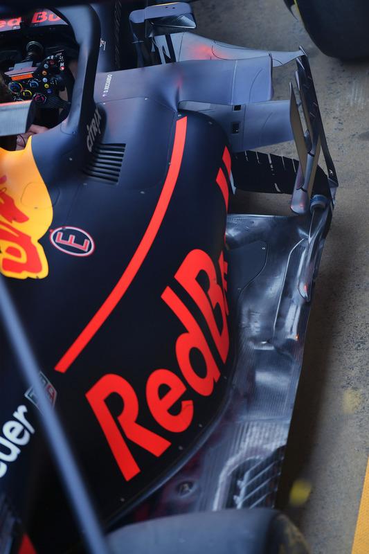 Red Bull Racing RB14 detalle de  pontón