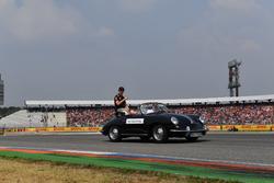 Max Verstappen, Red Bull Racing,, en el desfile de pilotos