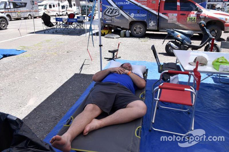 Алессандро Боттурі відпочиває