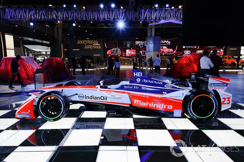 Машина команди Формули Е Mahindra