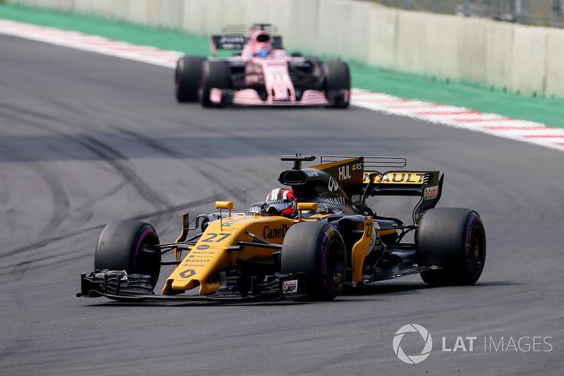Nico Hulkenberg, Renault Sport F1 Team RS17, Sergio Perez, Sahara Force India F1 VJM10
