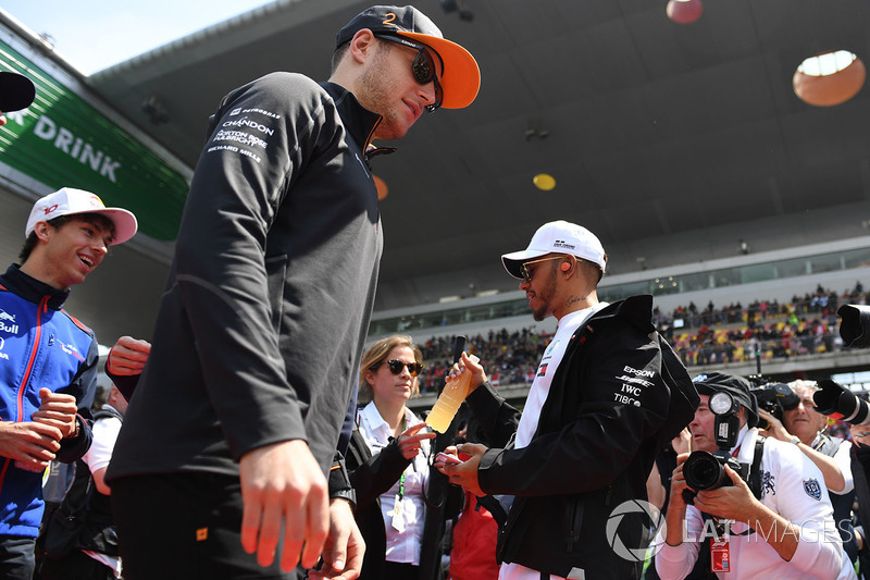 Stoffel Vandoorne, McLaren and Lewis Hamilton, Mercedes-AMG F1 on the drivers parade