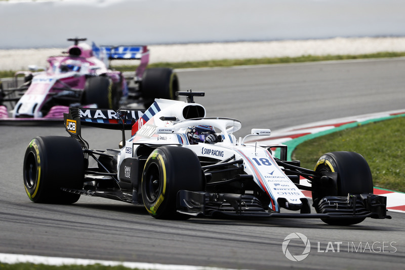 Лэнс Стролл, Williams FW41, и Серхио Перес, Sahara Force India F1 VJM11
