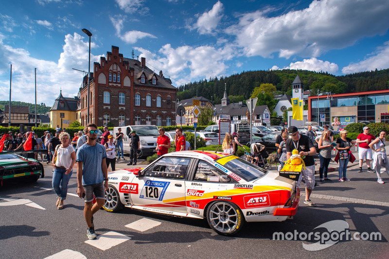 #120 Kissling Motorsport/Beckmann Opel Manta: Olaf Beckmann, Peter Hass, Volker Strycek, Jürgen Schulten