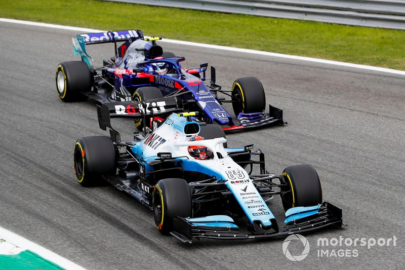 Robert Kubica, Williams FW42 et Pierre Gasly, Toro Rosso STR14 en bataille