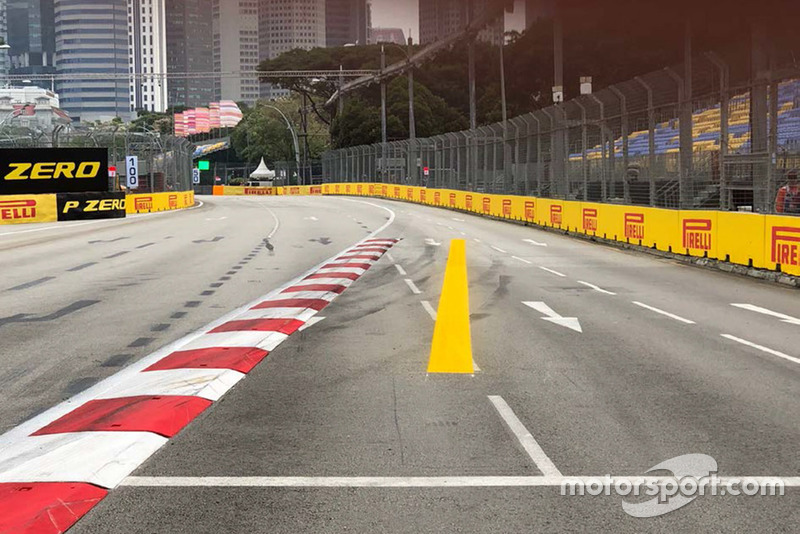 Piano de la curva 7, Singapur