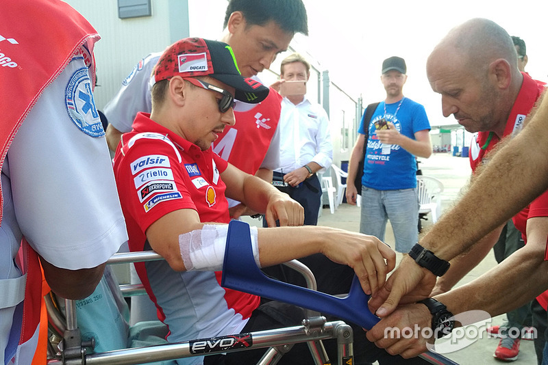 Jorge Lorenzo, Ducati Team tras la caída