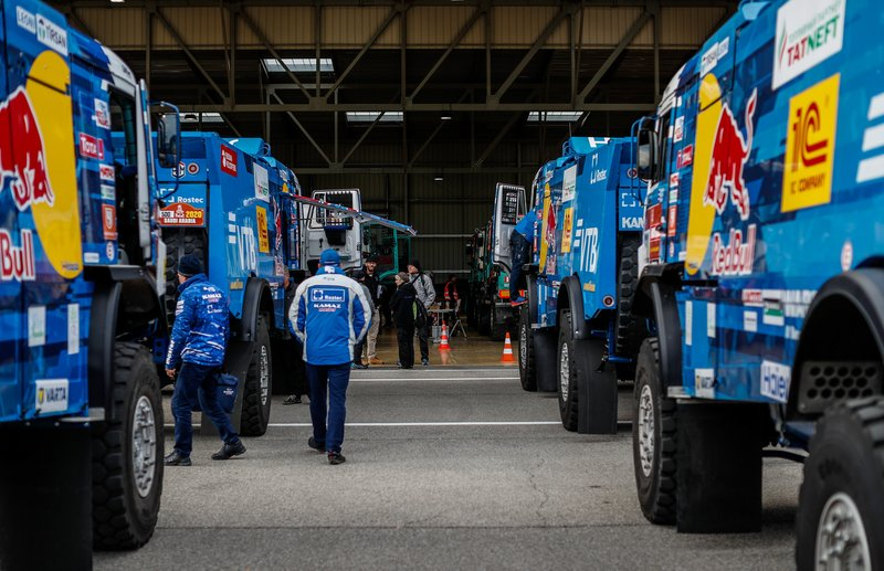 Dakar teams verification