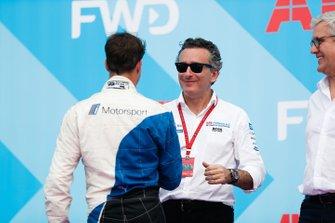 Antonio Felix da Costa, BMW I Andretti Motorsports, shakes hands with Alejandro Agag, CEO, Formula E