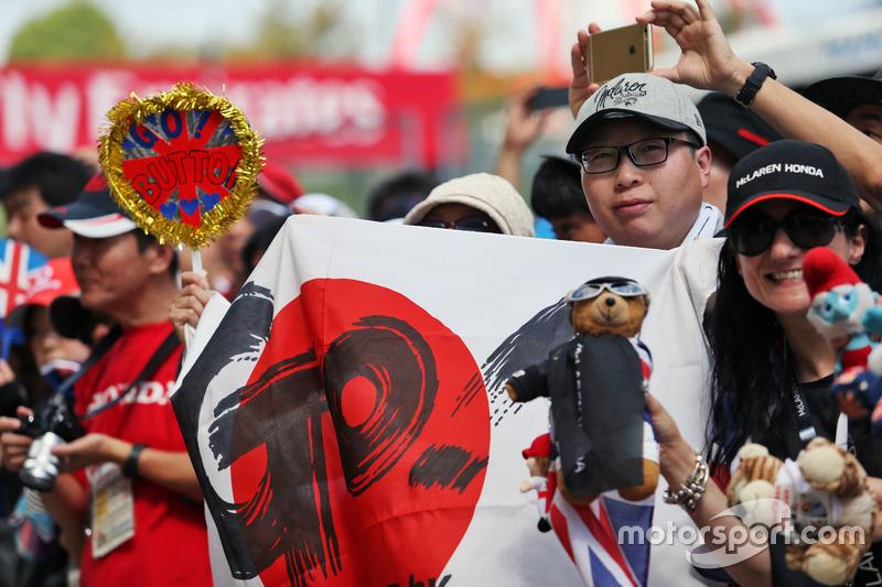 Jenson Button, McLaren fans