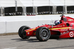Scott Dixon, Chip Ganassi Racing Chevrolet, after his spin