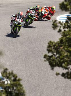 Jonathan Rea, Kawasaki Racing; Tom Sykes, Kawasaki Racing; Davide Giugliano, Ducati Team