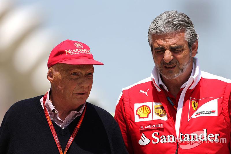 Niki Lauda, MercedesVorstand und Maurizio Arrivabene, Ferrari, Teamchef