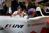 Paul Stoddart, Paul di Resta, F1 Experiences 2-Seater Driver