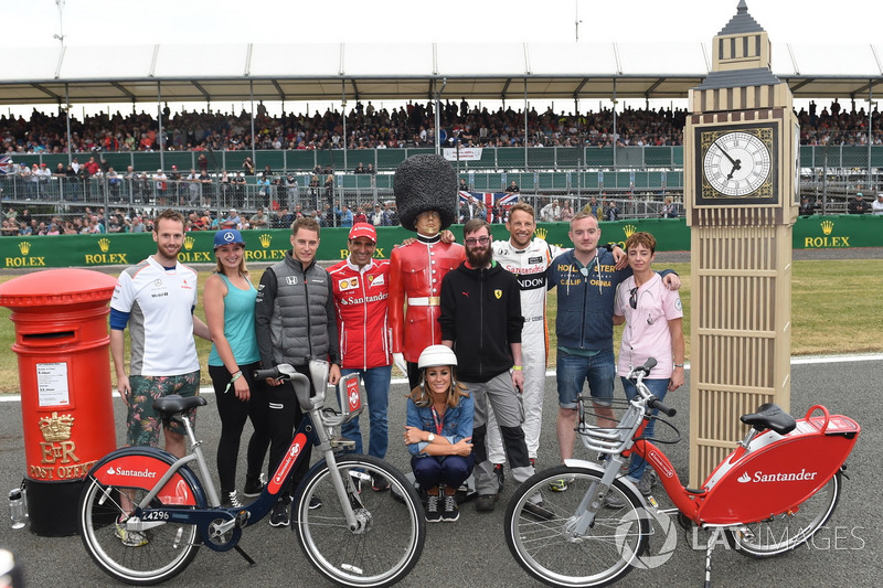 Стоффель Вандорн, McLaren, Марк Жене, Ferrari, Дженсон Баттон, McLaren, Наталі Пінхем, Sky TV
