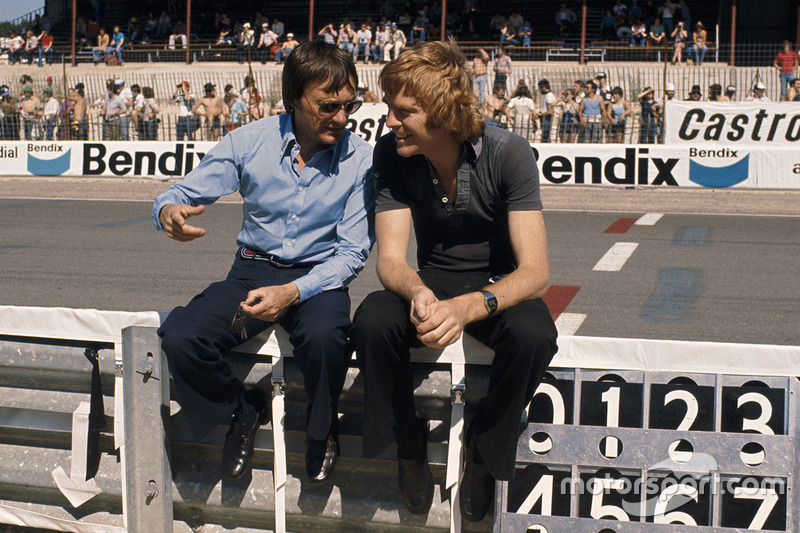 Bernie Ecclestone, Brabham, Teambesitzer; Max Mosley, March Engineering, Teammanager