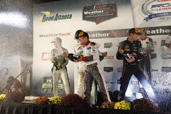 Подиум в категории GTD: Коннор де Филиппи, Кристофер Мис и Шелдон ван дер Линде, Land-Motorsport (победители), Даниэль Морад, Микаэль Кристенсен и Майкл де Кесада, Alegra Motorsports (второе место), и Патрик Линдси, Йорг Бергмайстер и Мэттью Макмарри (третье место)