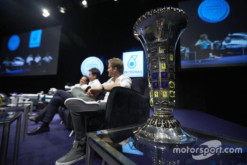 Ніко Росберг, Mercedes AMG F1, Тото Вольфф, акціонер та виконавчий директор Mercedes AMG F1