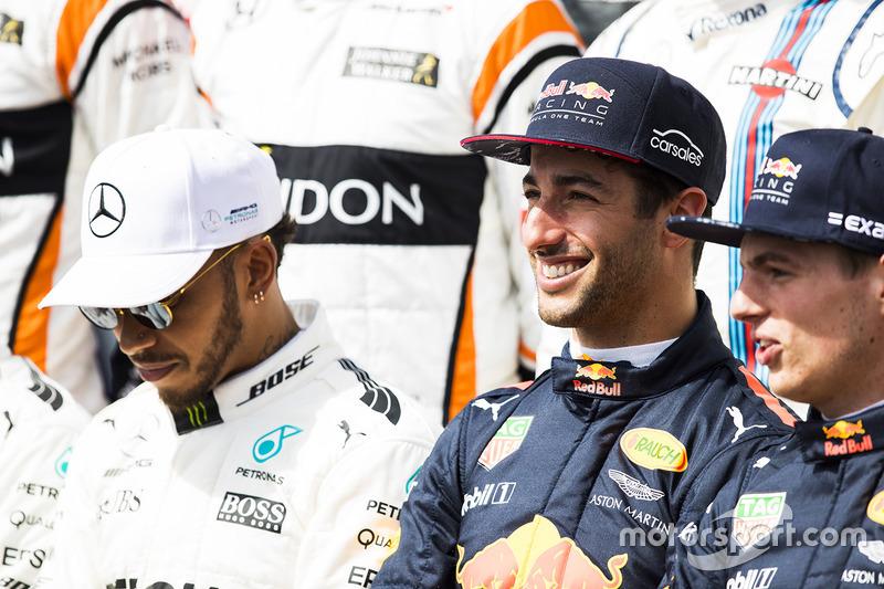 Lewis Hamilton, Mercedes AMG; Daniel Ricciardo, Red Bull Racing; Max Verstappen, Red Bull Racing