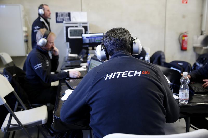 Teammitglieder von Hitech Grand Prix