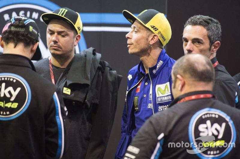 Valentino Rossi, Yamaha Factory Racing, in der Box von SKY VR46