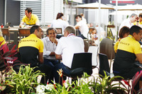 Керівник Renault Sport F1 Team Сіріль Абітбуль, Ален Прост, Гельмут Марко