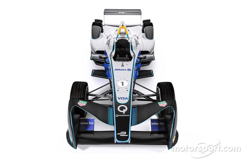 Formel E mit Aufklebern von Allianz
