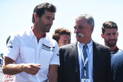 Mark Webber, Chase Carey, CEO de FOM