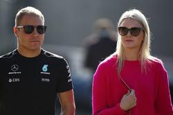 Valtteri Bottas, Mercedes AMG F1, wife Emilia Bottas
