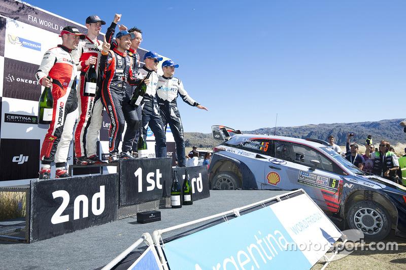 Winners Thierry Neuville, Nicolas Gilsoul, Hyundai Motorsport, second place Elfyn Evans, Daniel Barritt, M-Sport, third place Ott Tänak, Martin Järveoja, M-Sport