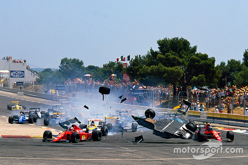 Start: huge crash for Mauricio Gugelmin, Leyton House March CG891