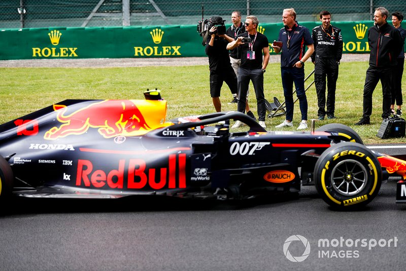 Daniel Craig, Pierre Gasly, Red Bull Racing RB15,