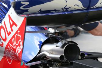 Les sorties d'échappement de la Scuderia Toro Rosso STR13