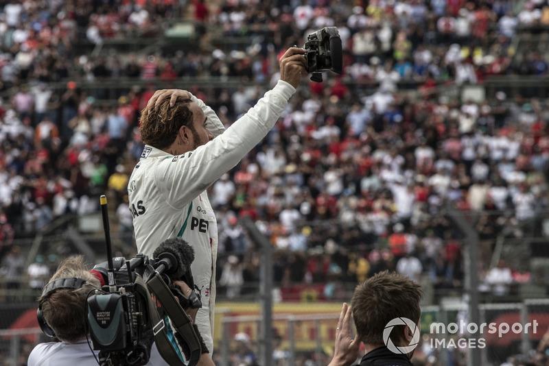 Lewis Hamilton, Mercedes AMG F1 celebra en parc ferme