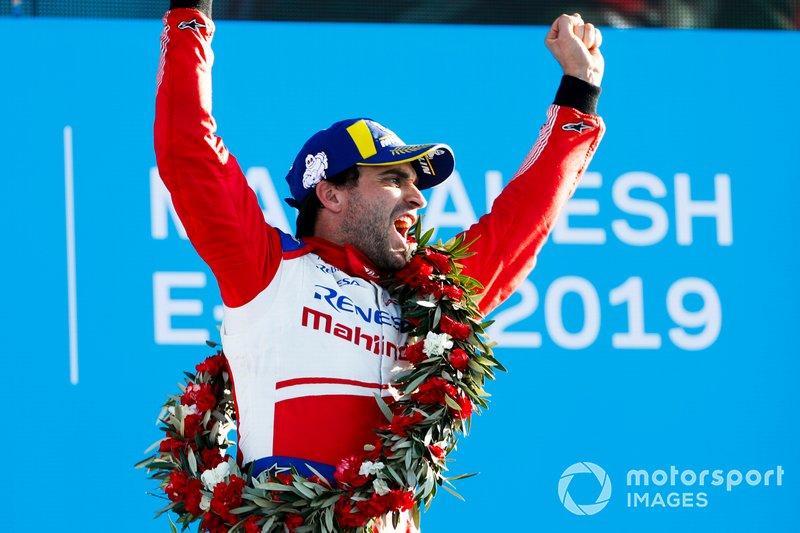Podio: ganador de la carrera Jérôme d'Ambrosio, Mahindra Racing, celebra